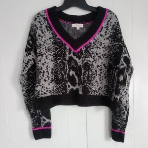NWT Full Circle Trends Cropped Sweater